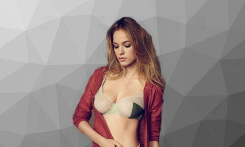 Alexis Knapp religion political views beliefs hobbies