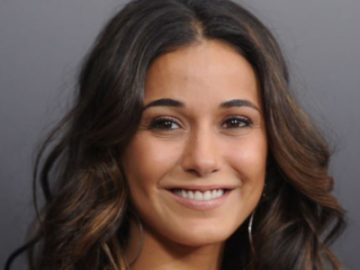 Emmanuelle Chriqui religion political views beliefs hobbies dating secrets