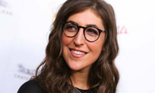 Mayim Bialik religion political views beliefs hobbies dating secrets