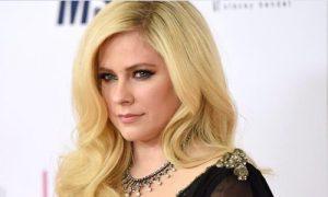 Avril Lavigne religion political views beliefs hobbies dating secrets